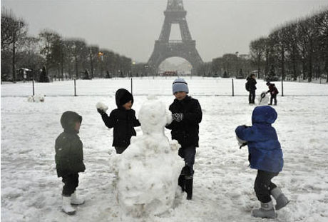 101213.paris-snow.jpg